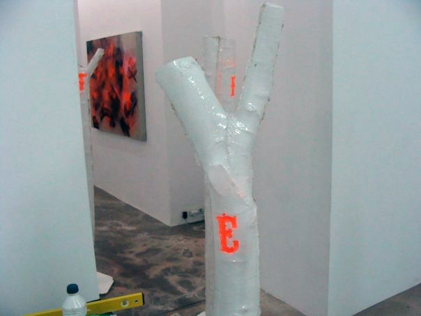 reverse the curse, painting, Porcelaine, plastic, installation, sculpture